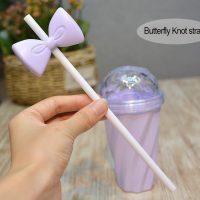 Пластиковый многоразовый стакан с крышкой, бантиком и трубочкой для девушки
