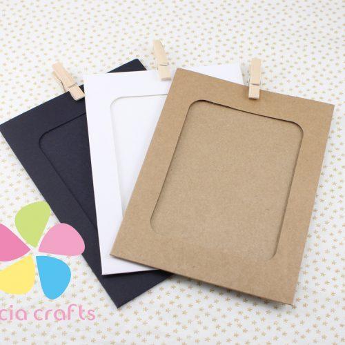 Бумажные фоторамки из цветного картона с прищепками и веревкой в наборе