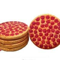 Декоративная 3D подушка на диван в виде пиццы