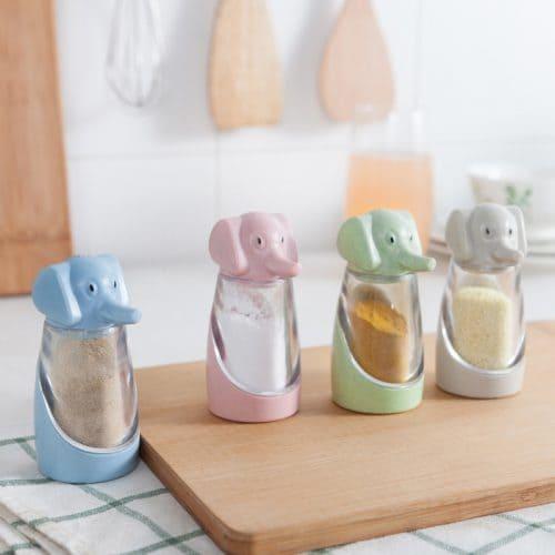 Маленькие пластиковые баночки для специй, приправ, соли, перца
