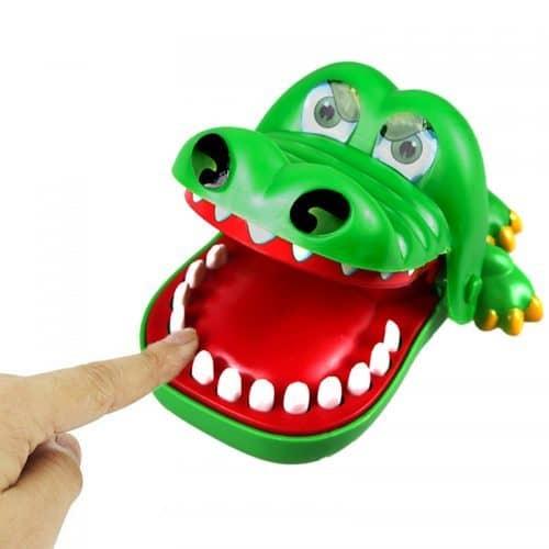 Игрушка Крокодил-дантист с зубами (рулетка) Crocodile Dentist