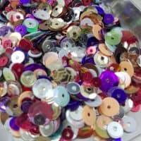 Набор разноцветных пайеток для творчества
