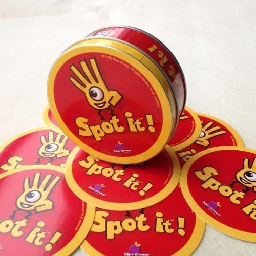 Настольная карточная игра Доббль (Dobble / Spot It!)