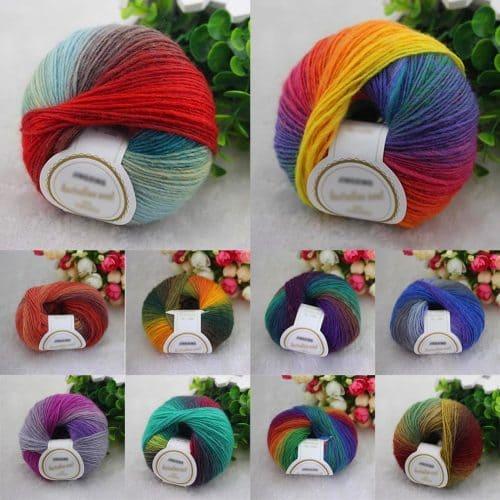 Радужная цветная шерстяная пряжа в мотках для ручного вязания спицами или крючком