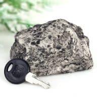 Тайник для ключей в виде камня