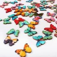 Деревянные пуговицы-бабочки