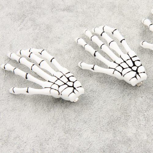 Заколка для волос в виде руки скелета