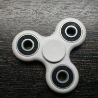 Спиннер hand spinner пальчиковая игрушка-антистресс на подшипнике для рук