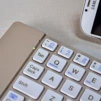 Cкладная Bluetooth беспроводная клавиатура для смартфонов и планшетов