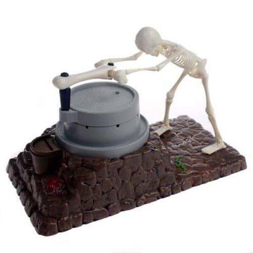 Интерактивная поющая копилка Скелет и мельница