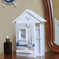 Ключница-домик деревянная в морском стиле/тематике в прихожую для 6 ключей