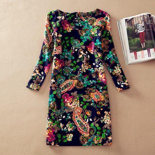 Короткое платье прямого силуэта с цветочным принтом из полиэстера с длинным рукавом