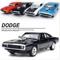 Маленькая модель автомобиля Dodge Charger 1:32