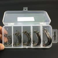 Набор офсетных крючков в пластиковом ящике 50 шт.