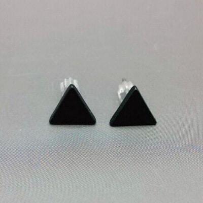 Серьги-гвоздики-пусеты из сплава геометрической формы черные, золотые, серебряные (треугольник, куб, круг, молния)