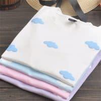 Женская хлопковая футболка с облаками