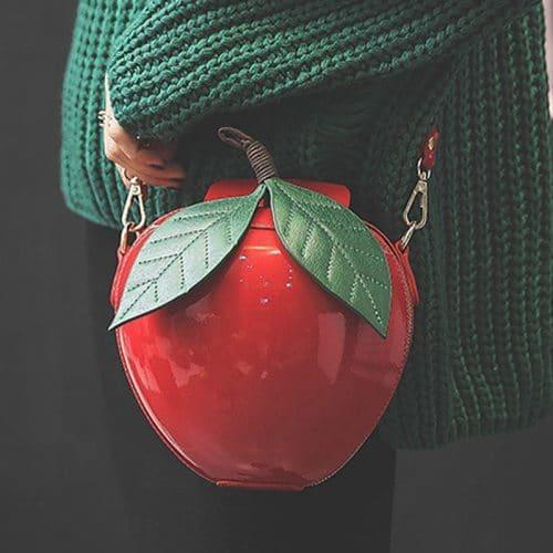 Женская маленькая сумка на длинном ремне через плечо в виде красного и зеленого яблока