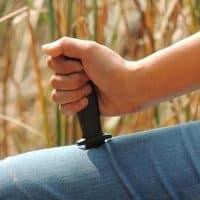 Фокус Нож в руку (выдвижной пластиковый нож)