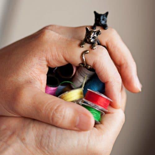 Кольцо на палец в виде кошки