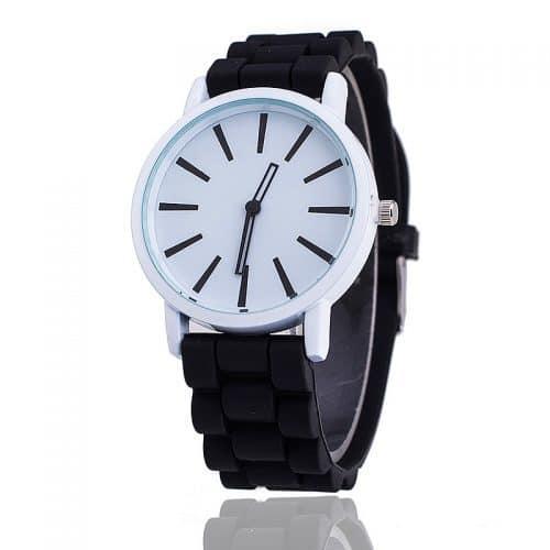 Кварцевые наручные женские часы с силиконовым ремешком