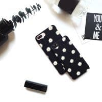 Матовый черный чехол для iphone 7 с ромашками