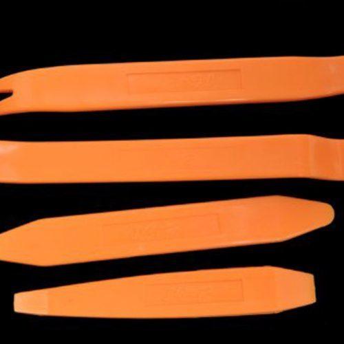 Инструменты для демонтажа панели салона автомобиля
