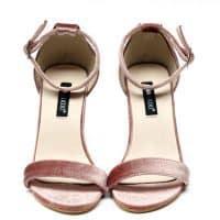 Розовые и черные женские бархатные босоножки на толстом каблуке 9 см