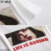 Женская футболка Life is boring (Криминальное чтиво)