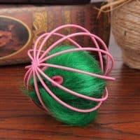 Игрушка мягкая пушистая яркая мышка в мячике-шарике для кошки