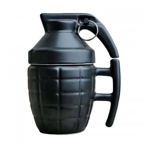 Керамическая кружка в виде гранаты с крышкой