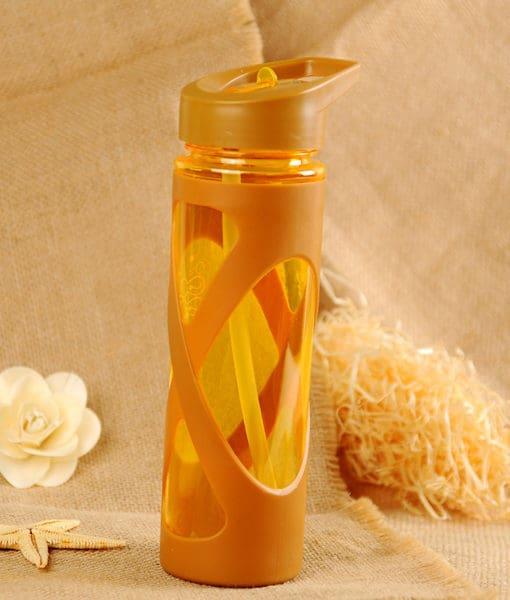 Пластиковая спортивная герметичная бутылка для воды с трубочкой для фитнеса 560 мл