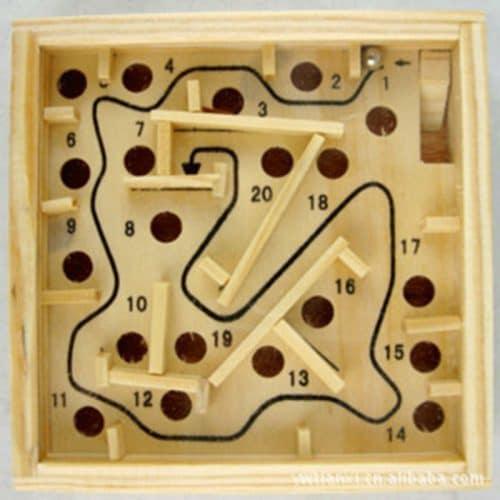 Развивающая деревянная игра-головоломка Лабиринт с шариком