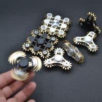 Металлический спиннер hand fidget spinner пальчиковая игрушка-антистресс на подшипнике для рук в виде шестеренок