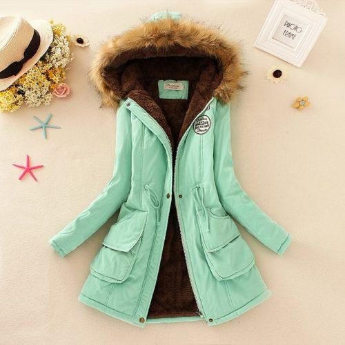 Женская демисезонная осенняя длинная утепленная куртка-парка на молнии с мехом на капюшоне и меховой подкладкой