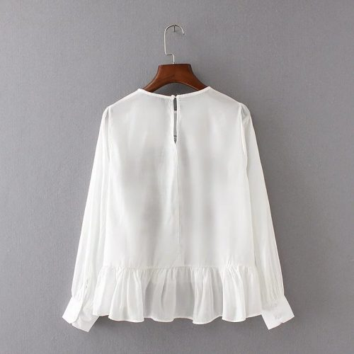Черная и белая блузка с цветочной вышивкой, длинными рукавами и оборкой по низу (реплика Зара/Zara)