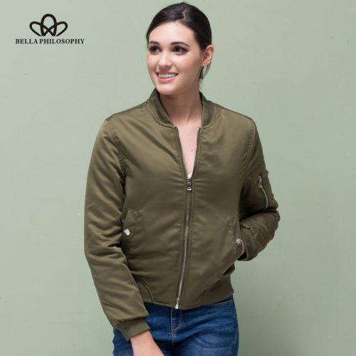 Женская демисезонная утепленная куртка-бомбер на молнии без капюшона с карманом на рукаве