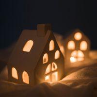 Керамический декоративный подсвечник-домик для свечи-таблетки