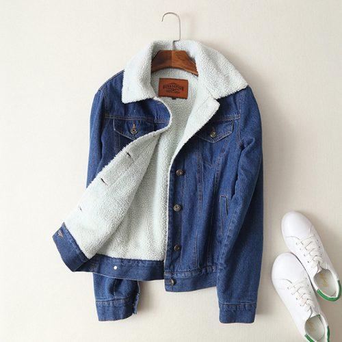 Женская демисезонная осенняя джинсовая утепленная куртка на пуговицах, без капюшона, с меховой подкладкой