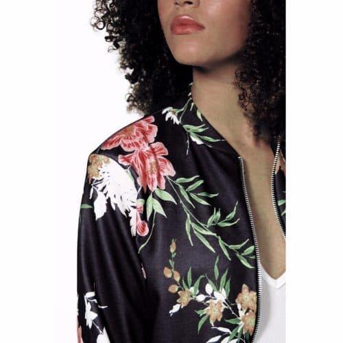 Атласный женский бомбер-куртка с цветами
