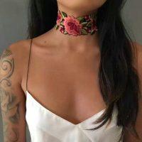 Чокер украшение на шею с цветочной вышивкой