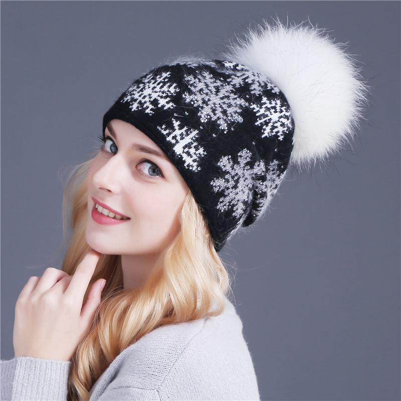 6773e8fb3608 Купить Женская вязаная зимняя шерстяная шапка с меховым помпоном,  снежинками и ...