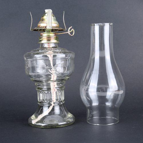 Керосиновая стеклянная лампа