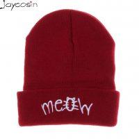 Женская теплая демисезонная шапка с отворотом и надписью MEOW