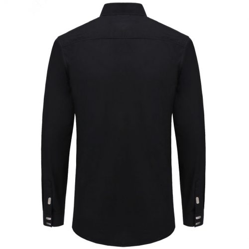 Мужская классическая приталенная рубашка с длинными рукавами и большими металлическими кнопками