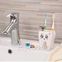 Подставка для зубных щеток в виде зуба