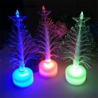 Маленькие пушистые настольные елки со светодиодной подсветкой и звездой на макушке