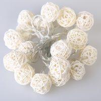 Гирлянда интерьерная плетеная Шары из ротанга (2 м/20 светодиодных шариков)