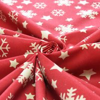 Красная новогодняя скатерть на стол (разные размеры)
