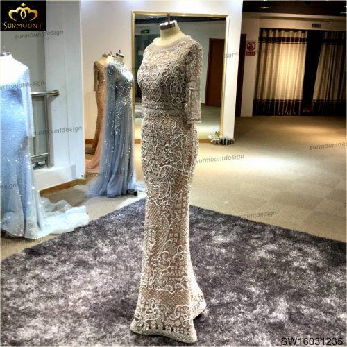 Роскошное вечернее платье в пол из кружевной вышивки