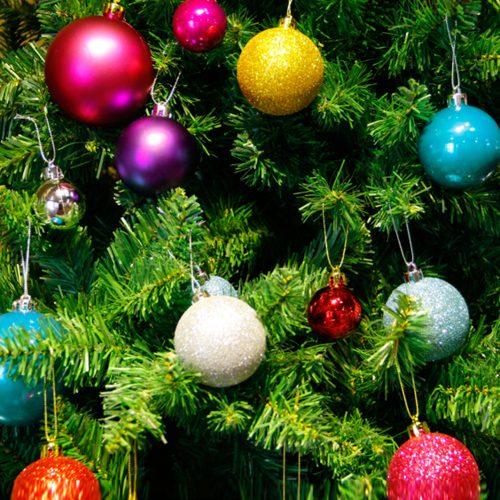 Новогодние елочные шары из пенопласта 24 шт. диаметром 4 см (6 цветов на выбор)